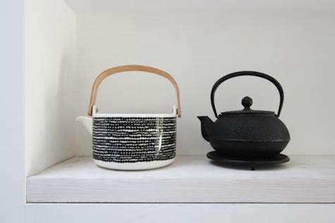 macdonald-wright-teapots