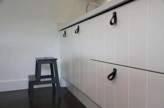 nu-interior-black-handle