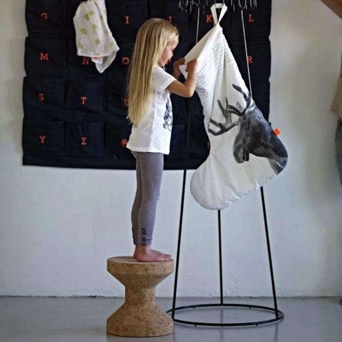 700_17-doors-stockings