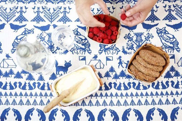 700_1saana-ja-olli-tablecloth