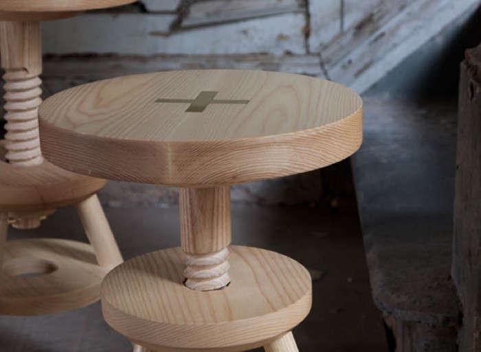 700_anna-carlin-stool-close-up