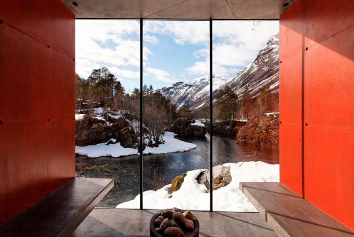 700_juvet-landscape-hotel-red-modern-view-of-winter-norway