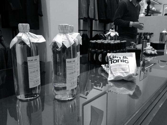 700_paul-smith-gin-and-tonic