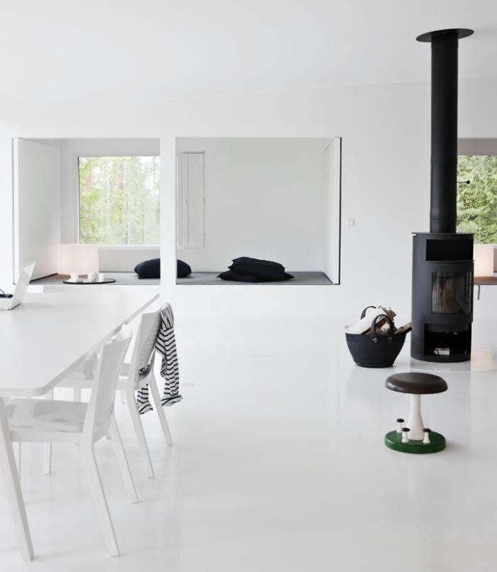 700_rais-rondo-wood-stove-in-situ