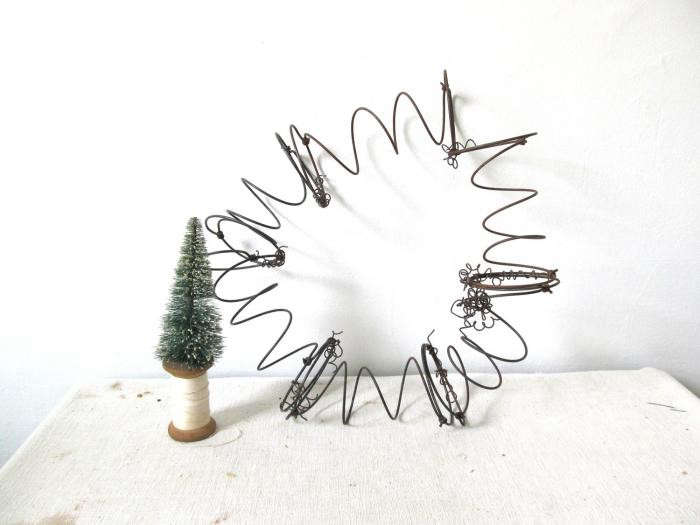 700_repurposed-metal-springs-wreath