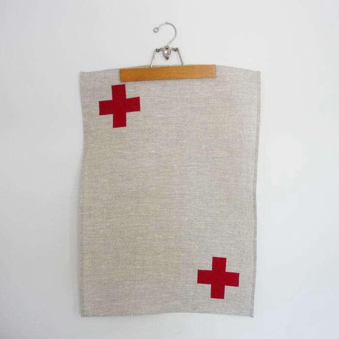 700_tea-towel-cross-red–29228-zoom
