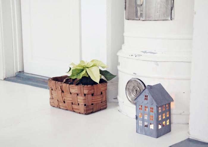 700_tiny-tin-houses