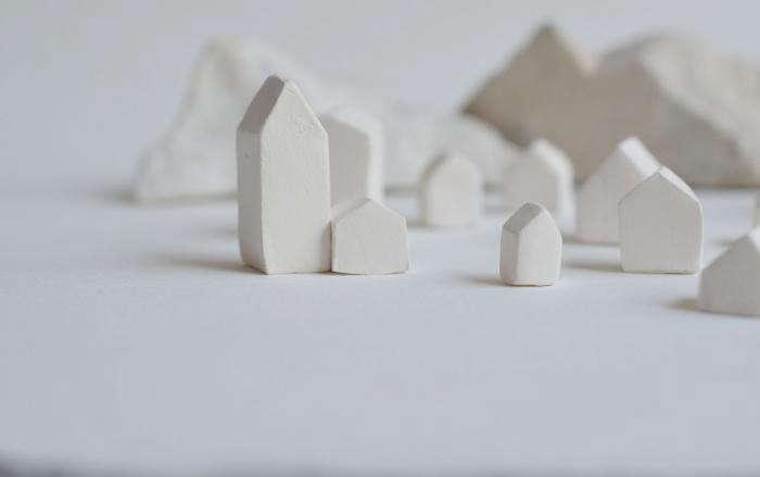 700_unglazed-porcelain-houses