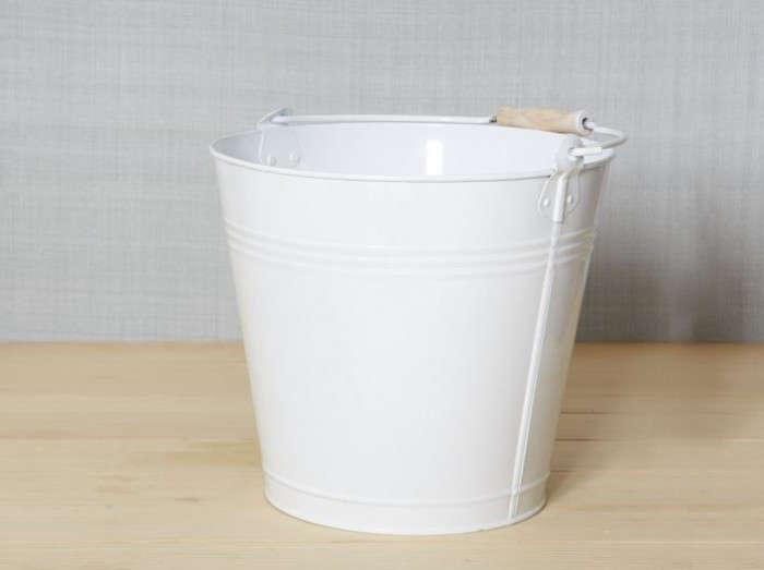 700_white-enamel-mop-bucket