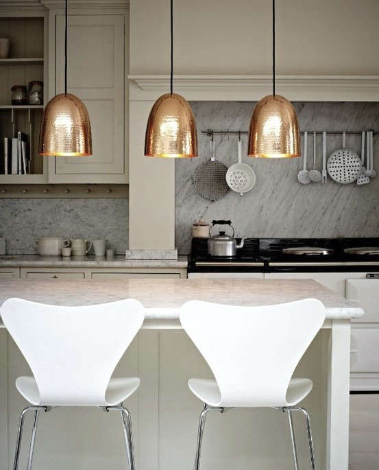 marble-backsplash-copper-pendants-10