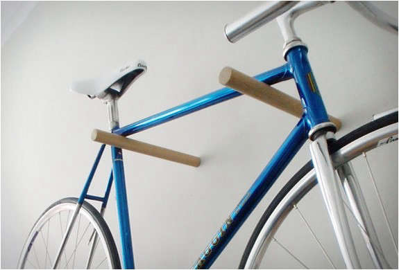 minimal-wooden-bike-hook-2