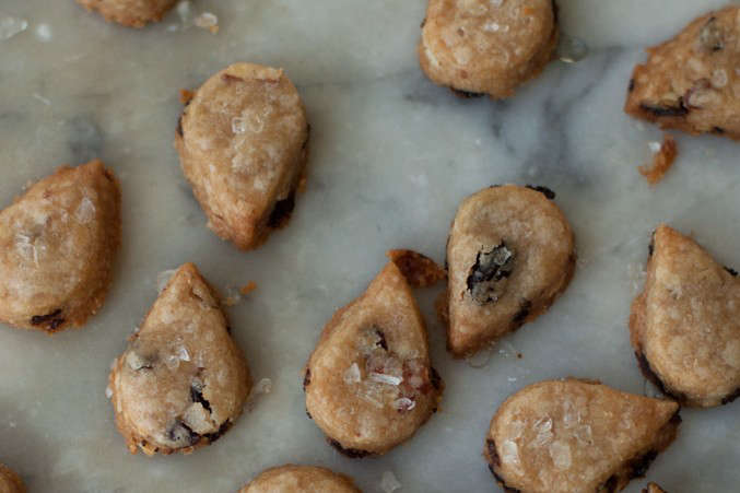 toasted-almond-sables