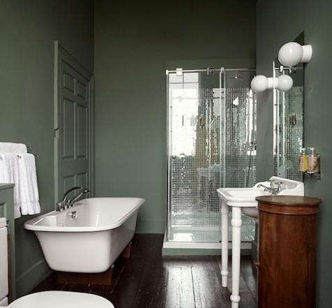 Bellinter%20House%20Dark%20Green%20Bath%20with%20Mirror%20Tile
