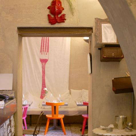 Pane  20  Acqua  20  orange  20  pink  20  chair
