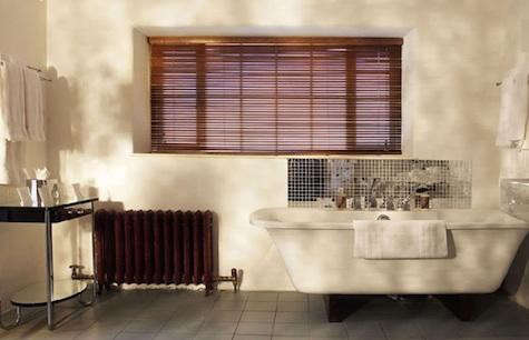 bellinter%20bath%20with%20mirror%20tub%20surround