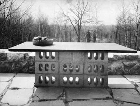 concrete-block-table-breuer