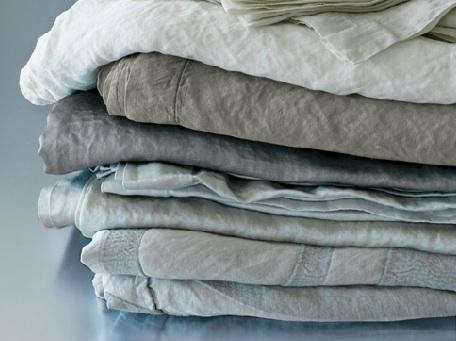 limonta%20stack%20of%20linen