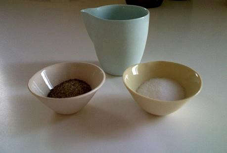mud%20pitcher%20and%20small%20bowl