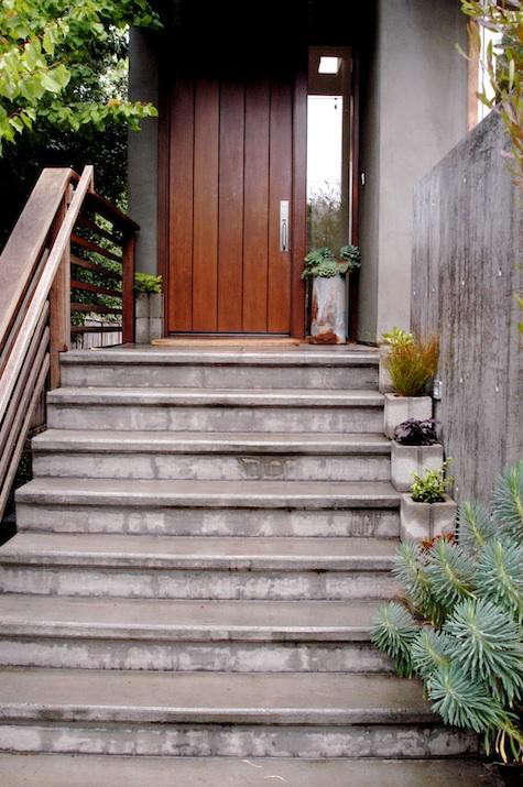 diy-concrete-planters-succulents-front-door