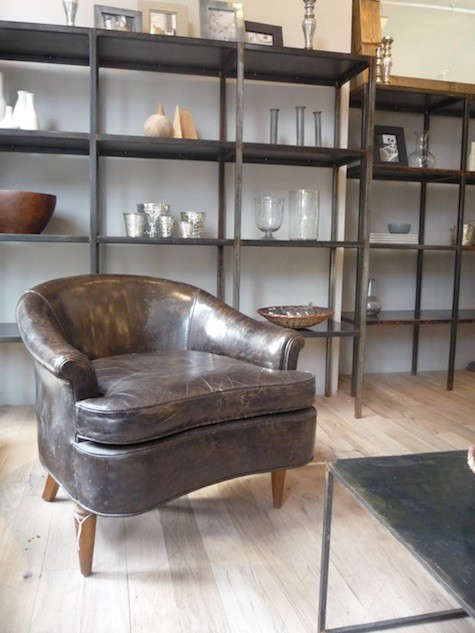 canvas-store-leather-chair