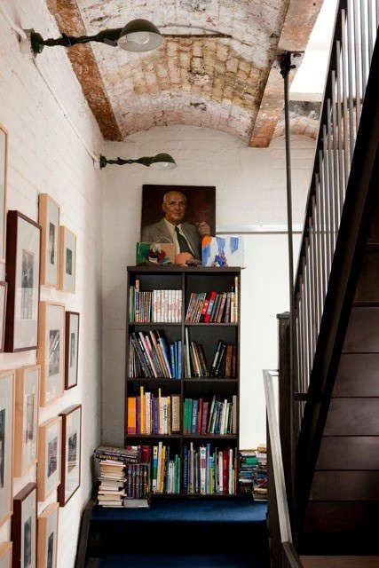 dkellogg-hallway-books