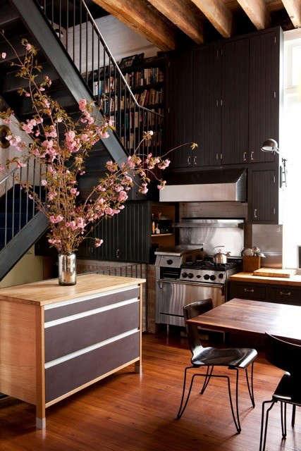 dkellogg-kitchen-stairs