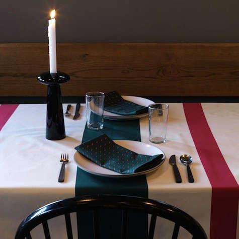 mistletoe-table