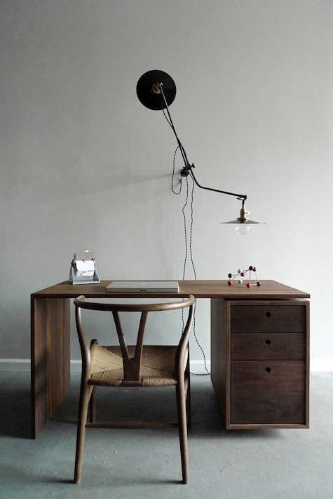 worstead-lamp-with-desk