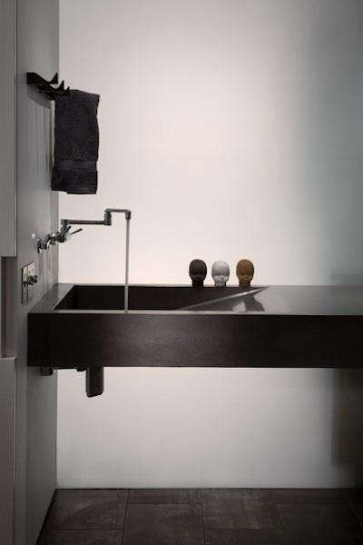 OK-artist-studio-bath