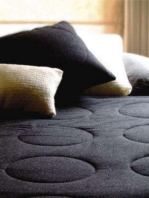 metro-circle-bedspread