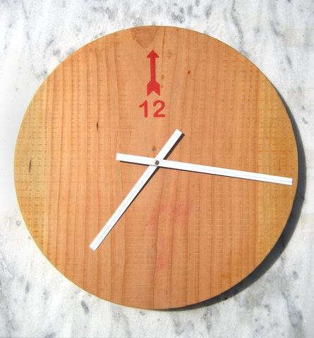 minimal-reclaimed-wood-clock