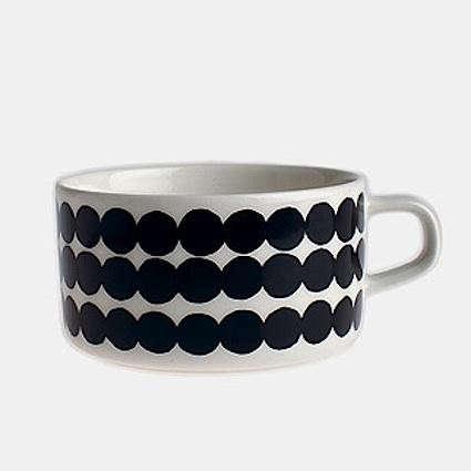 oiva-bw-tea-cup