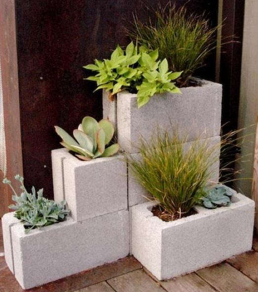 allisons-concrete-corner-planter