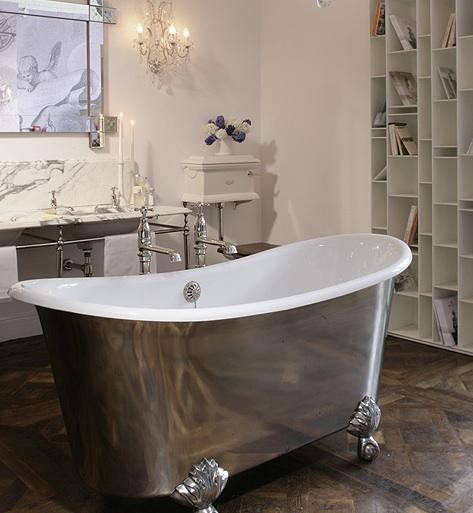 drummonds-showroom-tall-bath