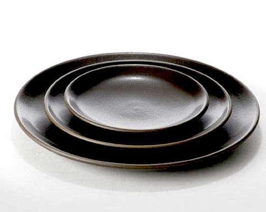 heath-black-dinner-plate