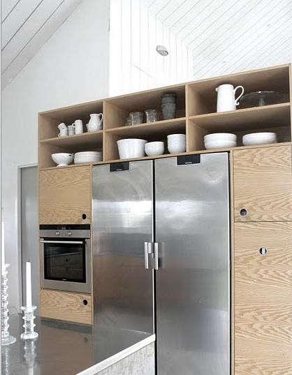 annaleena-kitchen-fridge