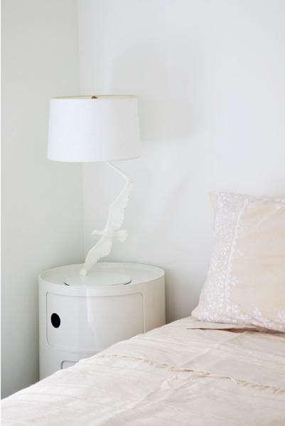 ashe-leandro-bedroom-white