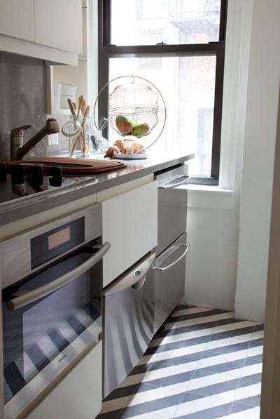 ashe-leandro-kitchen-stripe