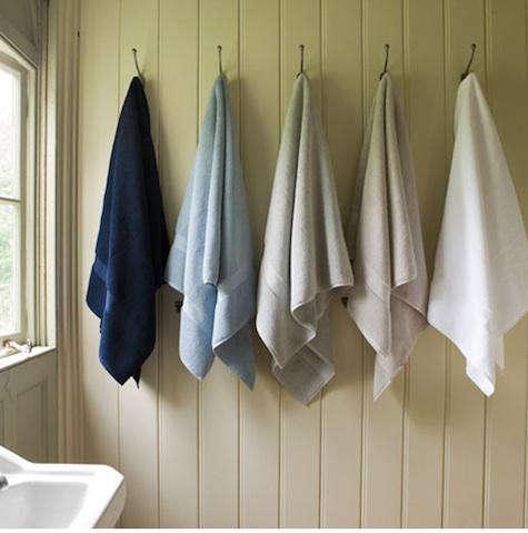 balineum-towels-hanging