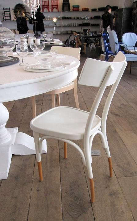 merci%20white%20chair%20with%20wood%20legs