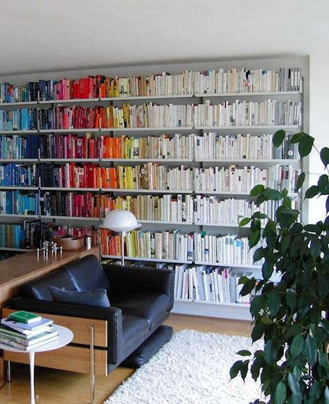 Books%20arranged%20by%20color%20via%20Flickr%207