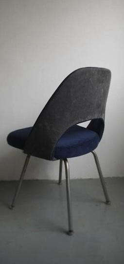 sit%20and%20read%20upholstered%20chair%202
