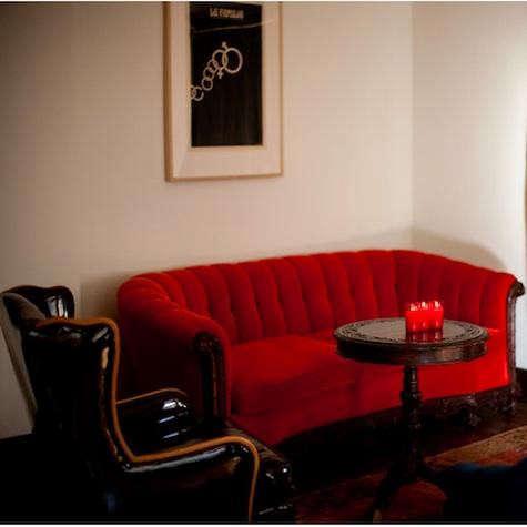 havana-red-chair