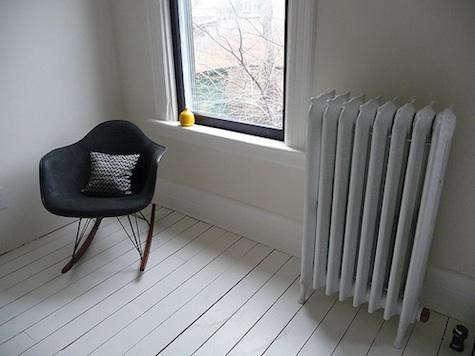 door-16-white-floor