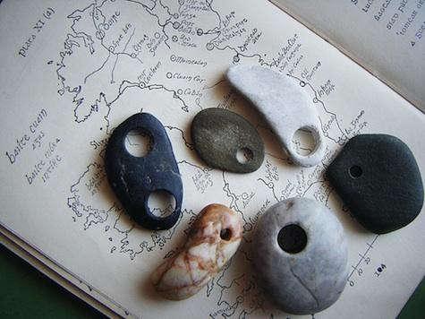 ireland-beach-stones