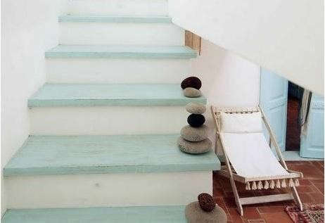 stairway-with-stones