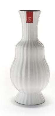 white-vase-2