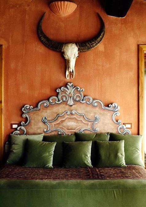castello-di-vicarello-orange-wall