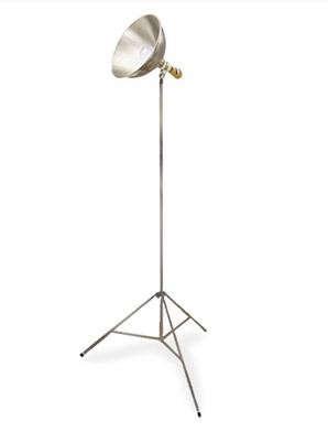 metal-tripod-lamp