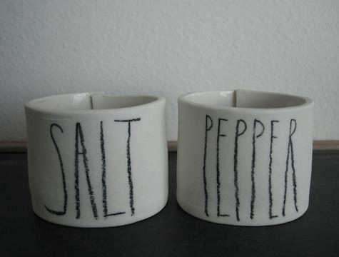 rae-dunn-salt-pepper-pot